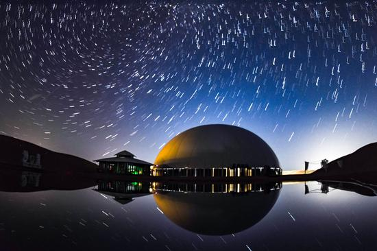 Clear skies are brilliant canvas for stargazers at desert hotel